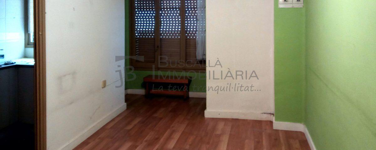 Pis de lloguer a Gironella, el Berguedà: 3 habitacions, bany, calefacció, parquet-Buscallà Immobiliària: menjador-lp103