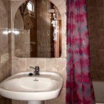 Pis de lloguer a Gironella, el Berguedà: 3 habitacions, bany, calefacció, parquet-Buscallà Immobiliària: bany-lp103