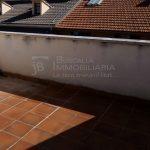 Pis dúplex de lloguer a Gironella, el Berguedà: 3 habitacions, 2 banys, calefacció, terrat- per estrenar-Buscallà Immobiliària: terrat -lp146