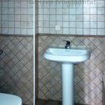 Pis dúplex de lloguer a Gironella, el Berguedà: 3 habitacions, 2 banys, calefacció, terrat- per estrenar-Buscallà Immobiliària: bany 1 lavabo -lp146