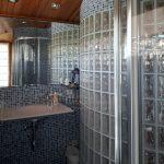 bany vidre-casa de 347m2i 58m2 de jardí, 4 habitacions i golfes, calefacció, piscina, garatge, llars de foc, espai lleure, bodega. Bona oportunitat al Berguedà