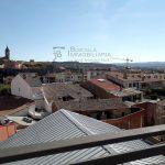 Pis de lloguer a Gironella,el Berguedà: totalment reformat i amb ascensor, 3 habitacions, bany, calefacció, balcons, tot exterior, parquet-Buscallà Immobiliària: balcó darrere -lp142
