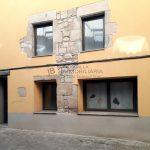 Dúplex de lloguer a Gironella,el Berguedà: 2 habitacions, bany, cuina oberta, parquet-Buscallà Immobiliària: façana-lp149