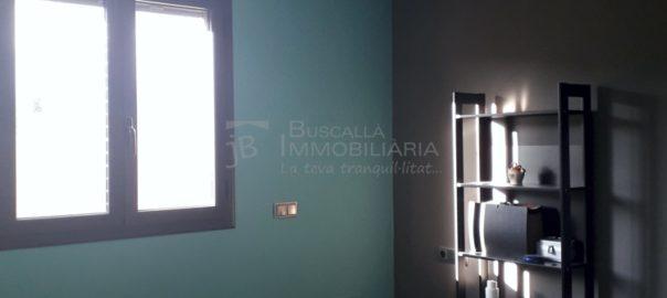 venda casa a Bassacs, Gironella, el Berguedà, amb terrat i pati, bones vistes-habitació 1-Buscallà Immobiliària-vc157
