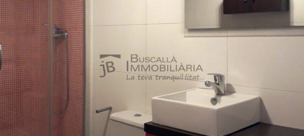 Pis venda amb plaça aparcament a Bassacs, Gironella, El Berguedà-2 habitacions, 1 bany, calefacció, parquet i ascensor-moble bany-buscallà immobiliària-vp158