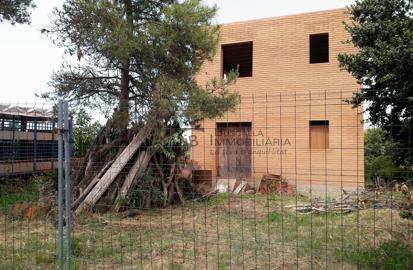 casa en construcció a Casserres, El berguedà, amb plànols-Immobiliària Buscallà-pati-vc164