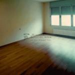 pis en venda nou per estrenar a Gironella, El Berguedà. 3 hbitacions, 2 banys, terrassa, parquet i calefacció-habitació-vp113