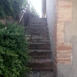Finca rústica, casa amb hort de lloguer al Berguedà: escala exterior-Buscallà immobiliària-lf165