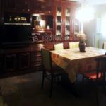 Finca rústica, casa amb hort de lloguer al Berguedà: menjador -Buscallà immobiliària-lf165