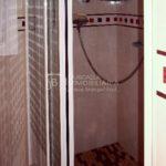 en venda a Cal Bassacs Gironella-dutxa