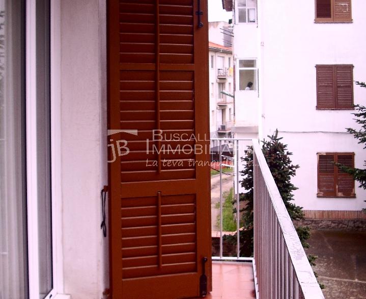Pis amb traster i garatge venda Gironella, el Berguedà. Reformat-Buscallà Immobiliària-exterior-vp109