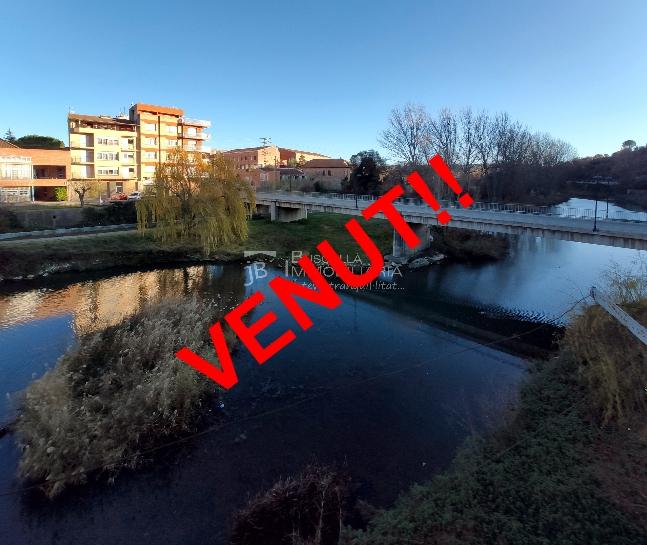 A Gironella venda casa amb vistes al riu, 2 habitacions, garatge i golfes-venut-vc154