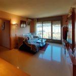 Pis molt lluminós al Berguedà-menjador taula-Buscallà Immobiliària-vp170