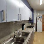 Pis a Cal Bassacs, en venda-taula cuina-vp170