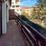 Casa amb jardí al Berguedà-balcó darrere-vc172