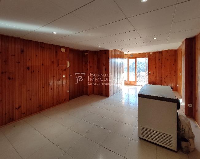 pis amb terrat en venda a Berga-Cal Rosal-sala-vp175