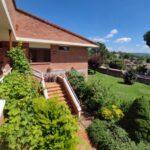 xalet casa en urbanització al Berguedà-escala exterior-Buscalla Immobiliària-185vc