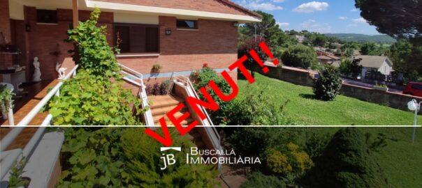 xalet casa en urbanització al Berguedà-entrada vistes-Buscalla Immobiliària-185vc