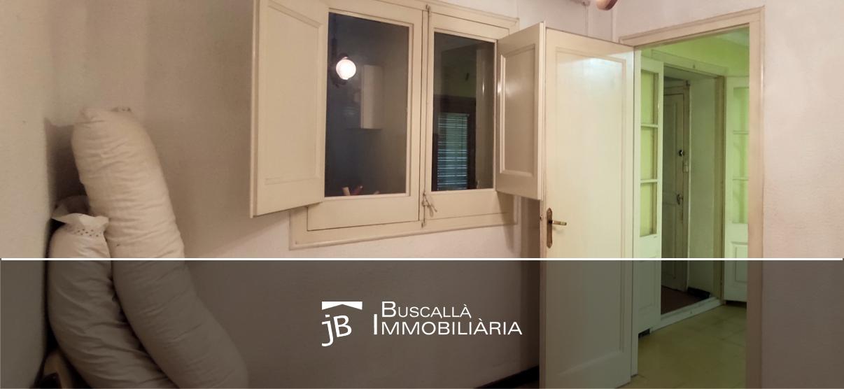 venda ocasió pis a prop de Berga-sala entrada-Buscallà Immobiliària 192vp