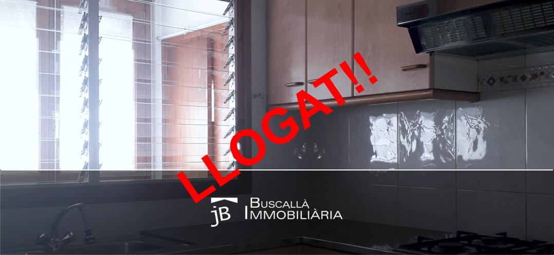 Lloguer pis amb galeria a Gironella-mobles cuina galeria-Buscallà al Berguedà195lp